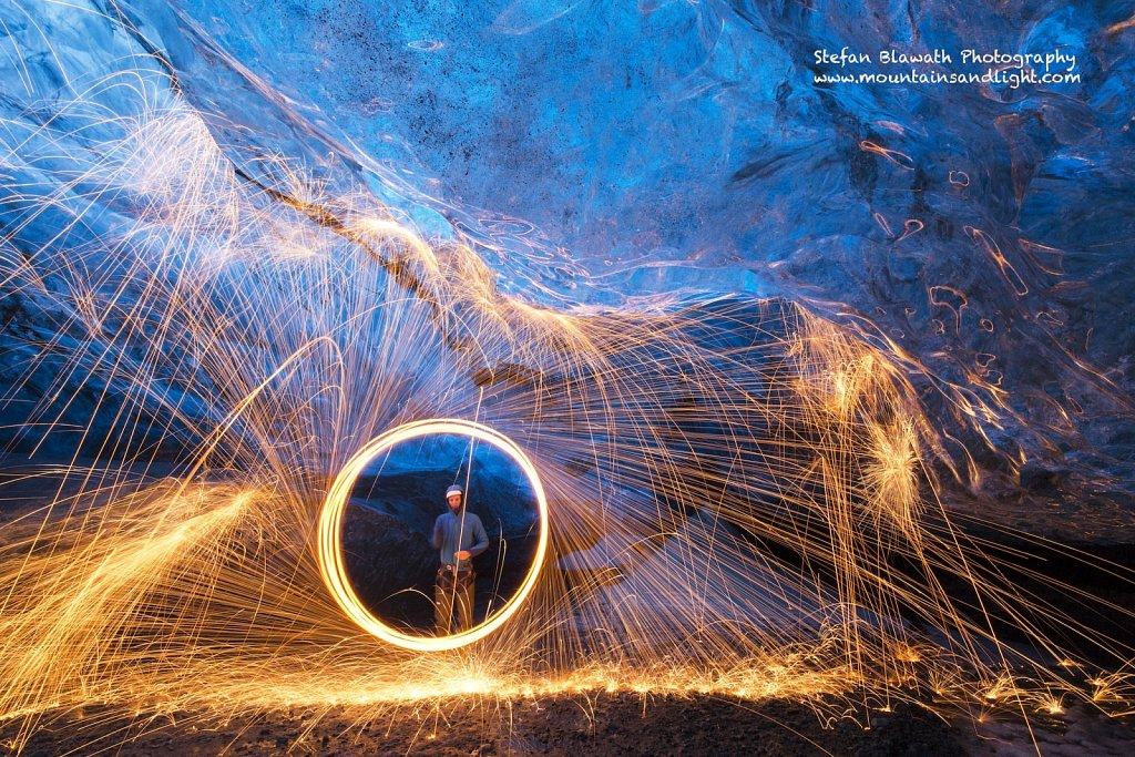 Feuer und Eis - Eishöhle unter Feuer