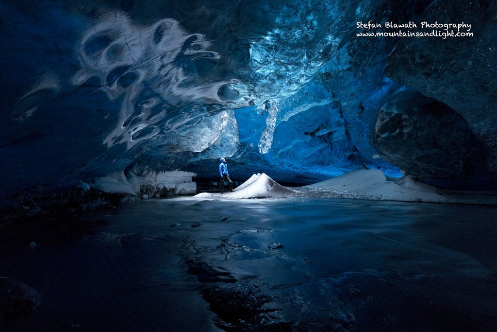 The Light Room - Eishöhle Island